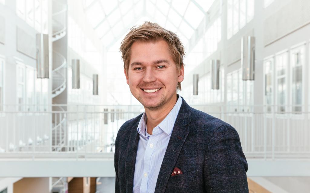 Henrik Edström, pr-chef på Nordnet.