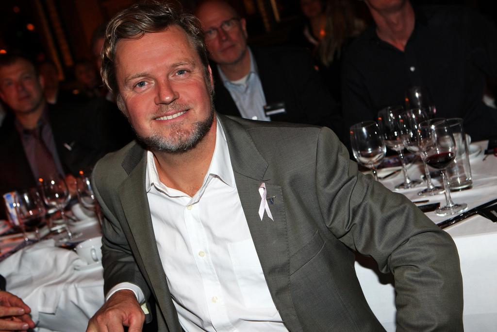 Johan Staël von Holstein, Crowd 1.